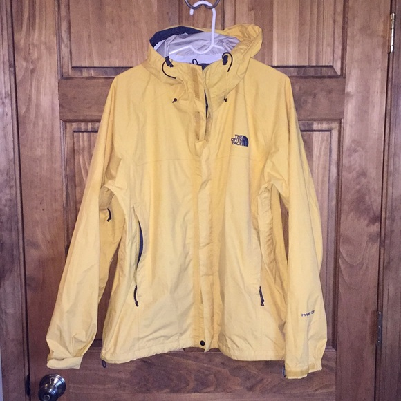 fa90c5ed0 spain light yellow north face rain jacket 806e2 7b960